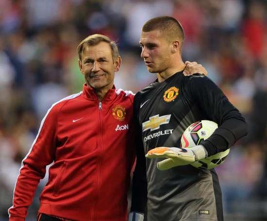 El Aston Villa podría quedarse con Johnstone. ManchesterUnited