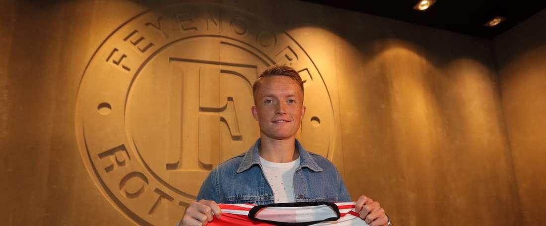 Larsson joins champions Feyenoord. Feyenoord