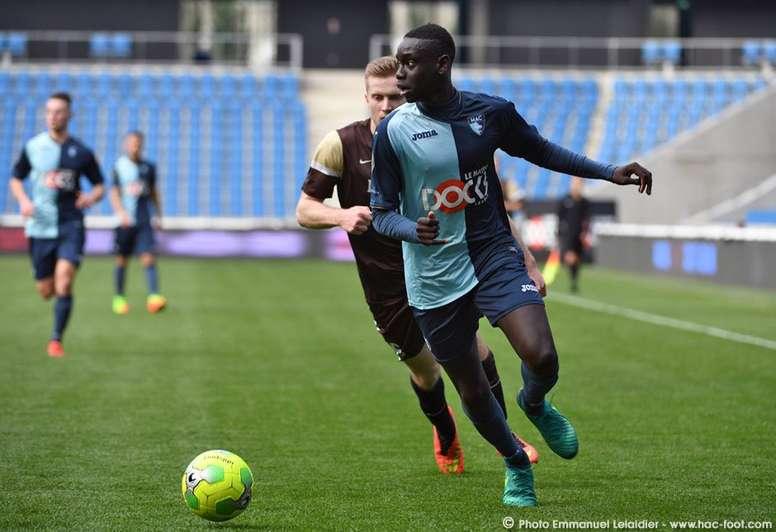 Samba Diop conmocionó el fútbol francés. Twitter/HAC_Foot