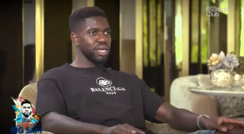 Umtiti had a choice to make. Screenshot/CanalFootClub