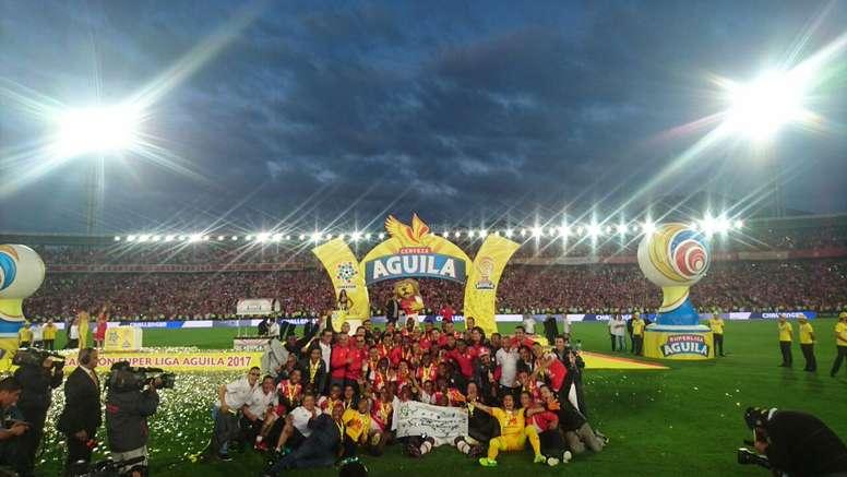 El gol de Andrés Mosquera en su portería dio la victoria a los 'cardenales'. LigaÁguila