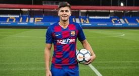 Ramos Mingo fue presentado el 4 de febrero de 2020. Twitter/FCBarcelonaB