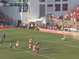 Les Nîmois remontent au score face au PSG. AFP
