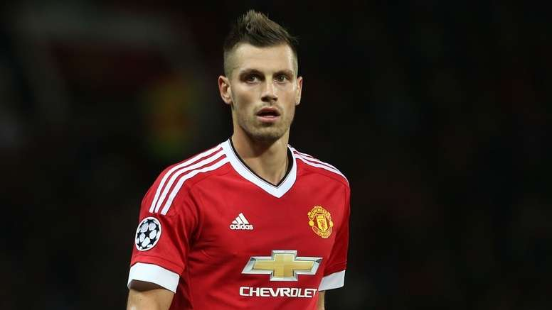 Schneiderlin receives different offers. AFP