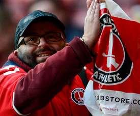 Seb Lewis no se perdió un partido del Charlton desde 1998. CAFC