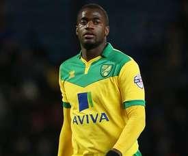 Sébastien Bassong dijo adiós al Norwich. Norwich