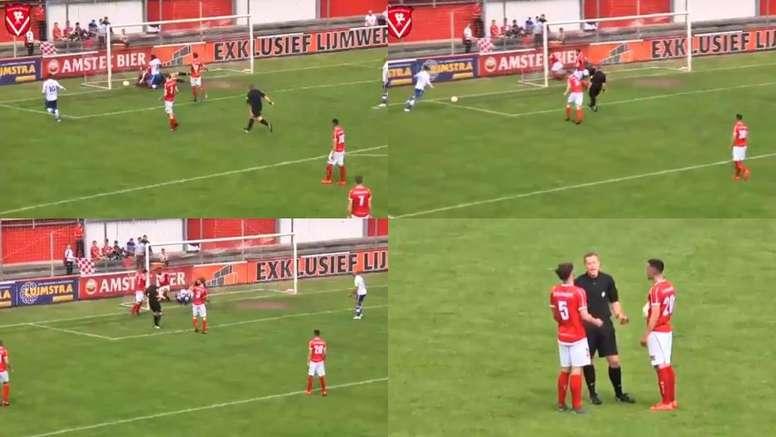 Árbitro aponta para o centro do campo após marcar gol. Capturas/HarkemaseBoys