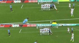 Suárez marcou de livre aos russos. Captura