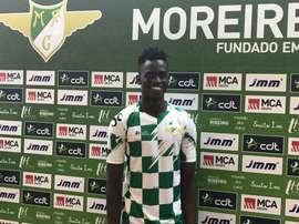 El centrocampista vestirá los colores del conjunto luso durante cuatro años. MoreirenseFC