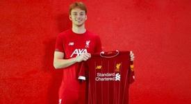 Van den Berg está a punto de firmar nuevo contrato con los 'reds'. LiverpoolFC