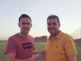 El Jumilla presenta al nuevo entrenador de su filial. FCJumilla
