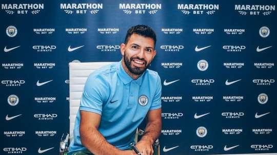 Agüero é do City até 2021. Twitter/ManCity
