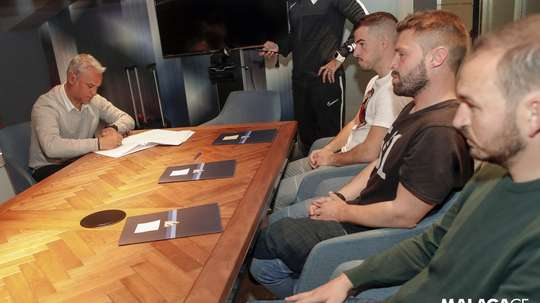 Pellicer has renewed his Malaga deal. Twitter/MálagaCF