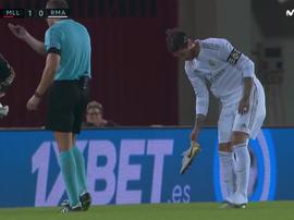 La 'guerra' particular de Ramos con sus botas. Captura/MovistarLaLiga