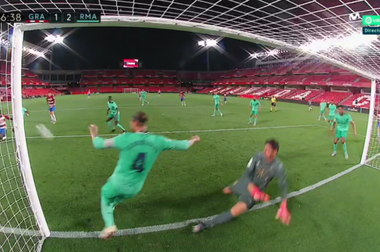 O milagre de Sergio Ramos que pode valer uma Liga. Captura/Movistar
