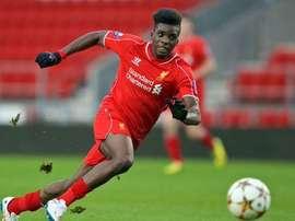 Sheyoi Ojo, jugador del Liverpool. Twitter