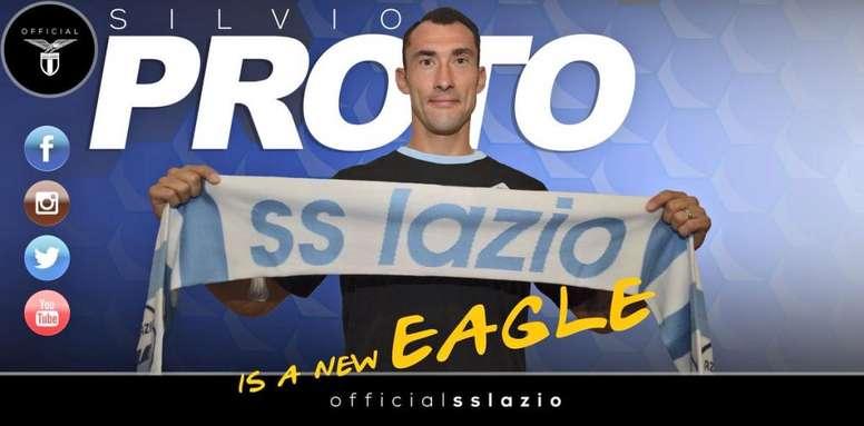 Proto dejó el Olympiakos para recalar en la Lazio. Twitter/OfficialSSLazio