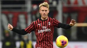 O Milan executará a opção de compra por Kjaer. AFP