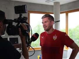Simon Terodde ha sido presentado como nuevo jugador del Stuttgart. VFB