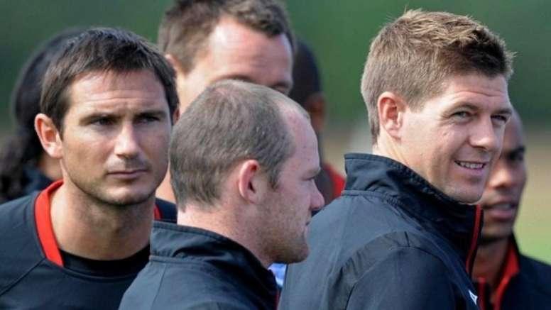 Rodallega desveló las farras de Rooney y Gerrard. AFP