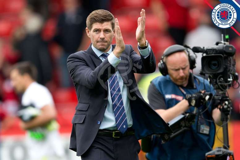 Gerrard thanked Rangers fans but was unhappy with the refereeing decisions. RangersFC