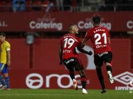 Stoichkov y Raíllo celebran un tanto del Mallorca ante Las Palmas en Son Moix. LaLiga