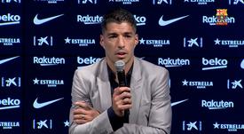 Suárez habló en su rueda de prensa de despedida. Captura/BarçaTV