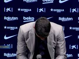 Suárez broke into tears in his farewell speech. Screenshot/BarçaTV