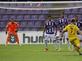 El Valladolid ha hincado la rodilla ante el Oviedo. RealValladolid