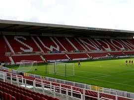 El conjunto inglés ha suspendido por mala conducta a los tres jugadores. SwindonTownFC