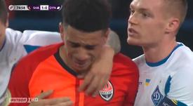 Victime de racisme, Taison insulte les supporters... puis se fait expulser. Capture/Futbol TV