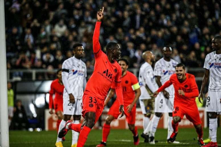 Kouassi vuole restare al PSG. PSG