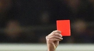 Sancionan con 4 meses a jugador de Segunda Andaluza por agredir al árbitro. AFP