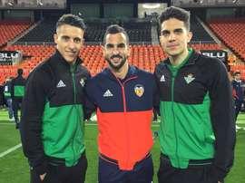 Tello, Montoya y Bartra prennent la pause. Twitter/RealBetis
