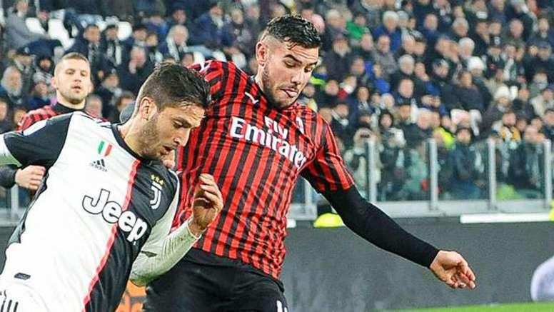 Theo abandonaría Milán a cambio de 50 millones. AFP