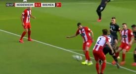 El autogolazo a la escuadra que alivió al Werder Bremen en el 3'. Captura/Movistar+