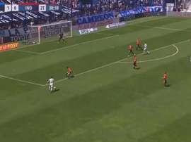 Thiago Almada brille toujours à Vélez. Capture/TNTSports