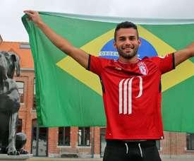 O mais recente jogador do Lille. Twitter/LOSC