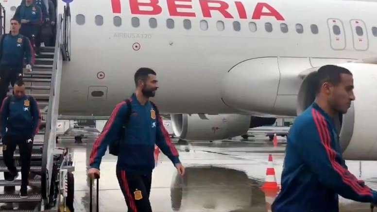 The Spain players have landed in Norway. Captura/Twitter/SeFutbol