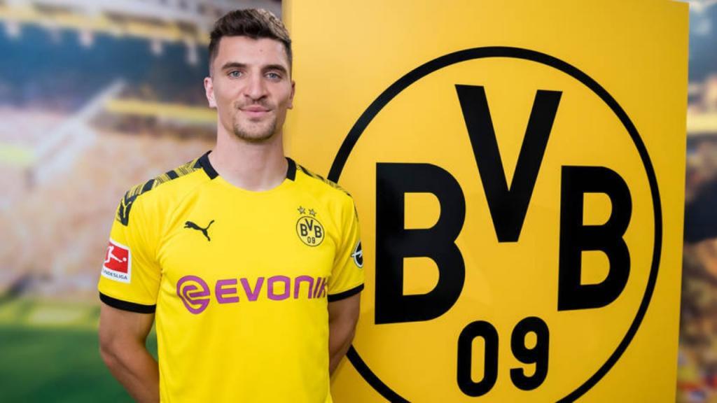 Official Meunier Joins Borussia Dortmund Besoccer
