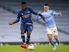 Phil Foden (R) could soon sign a new deal at Man City. EFE