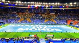 Il mosaico dei tifosi francesi. Twitter/equipedefrance