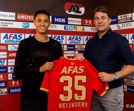 El centrocampista, con el dorsal que lucirá las próximas tres temporadas. AZAlkmaar