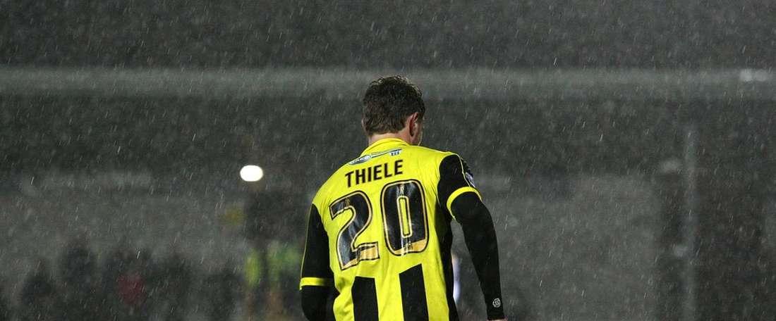 Timmy Thiele en su etapa como jugador del Burton Albion. Burton Albion FC