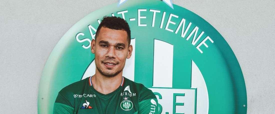 Kolodziejczak has join Saint Etienne on a permanent basic. ASSEOfficiel