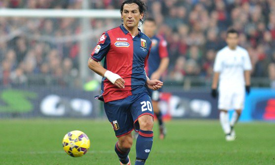 Tino Costa, en su etapa con el Genoa. Twitter