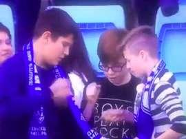 El ganador se abrazó a la camiseta. Captura