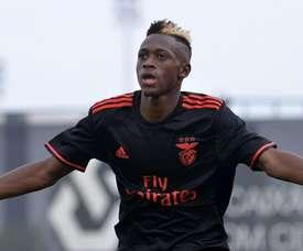 O jogador é considerado um 'prodígio' no Benfica. Record