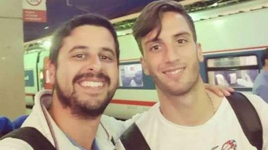 Un fan uruguayen a pu faire un selfie avec Bentacur.  Twitter/DiarioOle