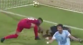 Lamentables imágenes en la Liga de Emiratos Árabes. Captura/DubaiSportsTV